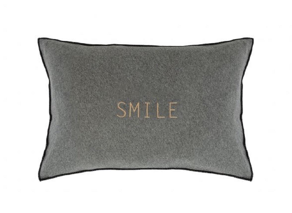 House in Style sierkussen Smile light grey
